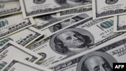 Bất chấp những quan ngại về nợ nần, đồng đôla vẫn là đồng tiền thống trị thế giới