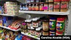 Algunos de los productos que ofrecen en un bodegón de Caracas. En otros, más grandes, venden productos refrigerados, congelados, artículos de limpieza y juguetes.