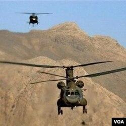 Pakistan menuduh dua helikopter NATO telah terbang melanggar wilayah udaranya.