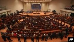이라크 의회가 도널드 트럼프 미국 대통령의 반이민 행정명령에 대응해 30일 보복 조치를 담은 법안을 승인했다. 이라크 바그다드의 의회. (자료사진)