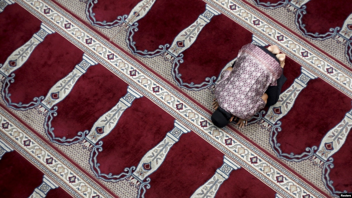 Moderate Muslims Urge Indonesia to Attack Radicalism at 'Grassroots'