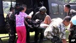菲律賓炸彈爆﹐傷者被送往軍方醫院接收治療。