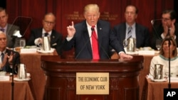 El candidato presidencial republicano pronunció un discurso en el Club Económico de Nueva York.