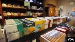 Rokok Djarum Filter, masih dijual di salah satu gerai rokok di Richmond, Virginia (foto:dok).