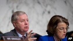 El presidente del Comité Judicial del Senado, Lindsey Graham, y la Senadora Dianne Feinstein, en Capitol Hill en Washington. Enero 15, 2019. Foto AP