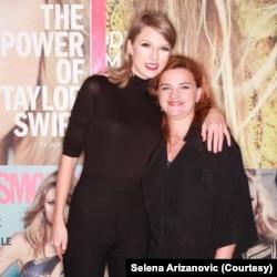 Selena Arizanović sa Tejlor Svift (Foto: Privatna arhiva)