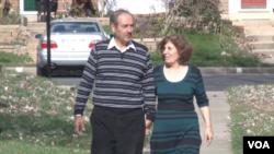 陶菲克.阿哈拉克和他的妻子扎里奇.阿斯奧索是在2012年7月持旅遊簽證抵達美國。(視頻截圖)
