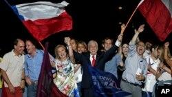 保守派富豪皮涅拉星期天在智利總統決選中輕鬆獲勝,再次當選智利總統。
