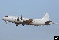 参加搜寻失踪马航班机的澳大利亚皇家空军AP-3C猎户座飞机。中国也派飞机抵达澳大利亚,并派多艘舰船参加在印度洋南部的多国搜索行动。