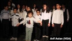 Koma zarokên Wanê yên kursa zimanê Kurdî bidawî kirine