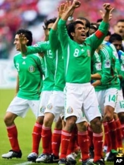 Mexico's football team celebrates qualification for the World Cup in South Africa