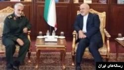 پیشتر توئیتر فارسی وزارت خارجه آمریکا، ظریف را «ماله کش اعظم» خطاب کرده بود.