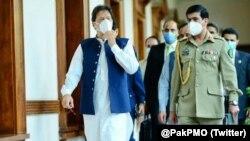 وزیر اعظم سندھ میں شدید بارشوں سے تباہی کے بعد کراچی کا دورہ کر رہے ہیں۔