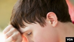 Se recomienda a los ancianos y los niños, en especial, permanecer en sitios con aire acondicionado para evitar el calor extremo.