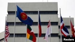 东盟与美国旗帜(路透社资料照 )
