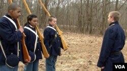 Učenici iz Virdžinije tokom snimanja scena američkog građanskog rata