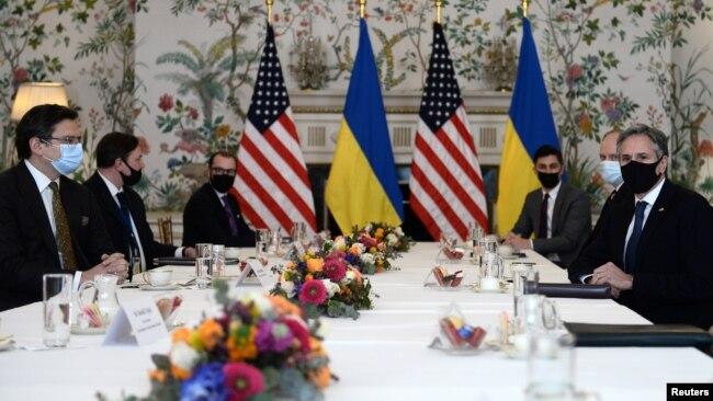 Фото: Ентоні Блінкен на зустрічі зі своїм українським колегою Дмитром Кулебою