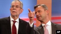 Norbert Hofer (derecha), perdió por estrecho margen contra el candidato ecologista Alexander Van der Bellen (izquierda).