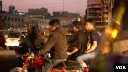 موٹر سائیکل پر ڈبل سواری