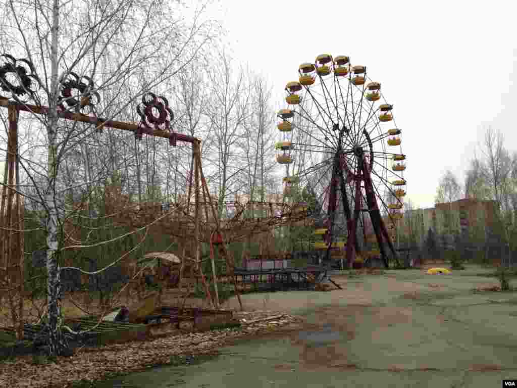 The Ferris wheel in the Pripyat amusement park, now an iconic symbol to a younger generation born after the Chernobyl disaster, thanks to its inclusion in the video game: Call of Duty 4: Modern Warfare, in Pripyat, near the Chernobyl Nuclear Power Plant, Ukraine, March 19, 2014.