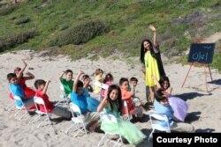 اجرای سرود «ای ایران» توسط کودکان ایرانی آمریکایی در جنوب کالیفرنیا