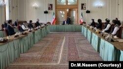 افغان حکومت کے وفد اور طالبان میں بدھ اور جمعرات کو اعلیٰ سطح پر ہونے والے مذاکرات میں اتفاق کیا گیا کہ جنگ مسئلے کا حل نہیں ہے۔