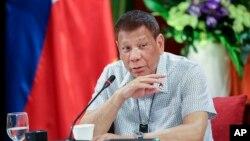 រូបឯកសារ៖ ប្រធានាធិបតីហ្វីលីពីនលោក Rodrigo Duterte ថ្លែងនៅក្នុងវិមានរដ្ឋាភិបាលក្នុងទីក្រុងម៉ានីល ប្រទេសហ្វីលីពីន កាលពីថ្ងៃទី ៧ ខែកញ្ញា ឆ្នាំ២០២០។