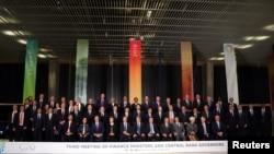 Ministros de finanzas y jefes de bancos centrales de los países del G20 posan para la foto oficial de la reunión del grupo en Buenos Aires, Argentina. Julio 21 de 2018, REUTERS/Marcos Brindicci.