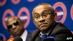 Le président de la CAF, Ahmad, lors d'une conférence de presse à Johannesburg, Afrique du Sud, le 7 avril 2017.