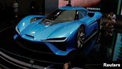 Mobil listrik Nio EP9 dipamerikan di pameran mobil Shanghai, China 19 April lalu.