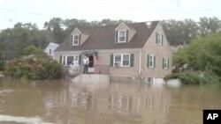 Ураганот Ајрин може да чини седум милијарди долари