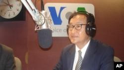 Sam Rainsy, leader of SRP, talks to VOA Khmer on 'Hello VOA', while visiting Washington DC, on Thursday.