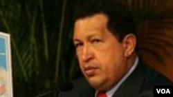 Hugo Chávez, pidió a la Interpol que dicte orden de detención contra el presidente de la emisora Globovisión, Guillermo Zuloaga.