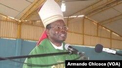 Dom Dionísio Hisilenapo, Bispo do Namibe,