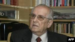 Vdes në moshën 86 vjeçare ish presidenti komunist i Shqipërisë