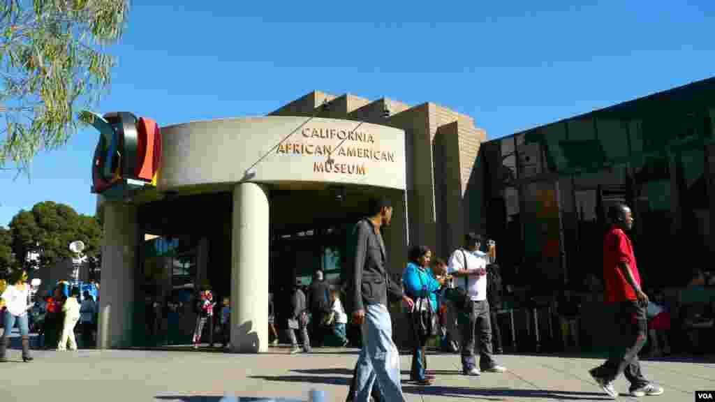 加州非洲裔美国人博物馆(美国之音国符拍摄)