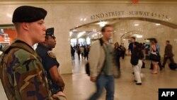 Policija i vojska sada mogu da se vide po svim većim podzemnim železničkim sistemima u SAD
