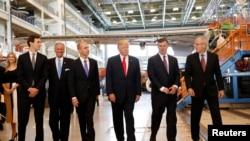 دیدار پرزیدنت ترامپ از کارخانه هواپیماسازی بوئینگ در ایالت کارولینای جنوبی