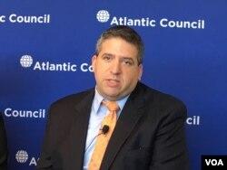 前美国国防部东亚事务副助理部长邓志强(Abraham Denmark,美国之音钟辰芳拍摄)
