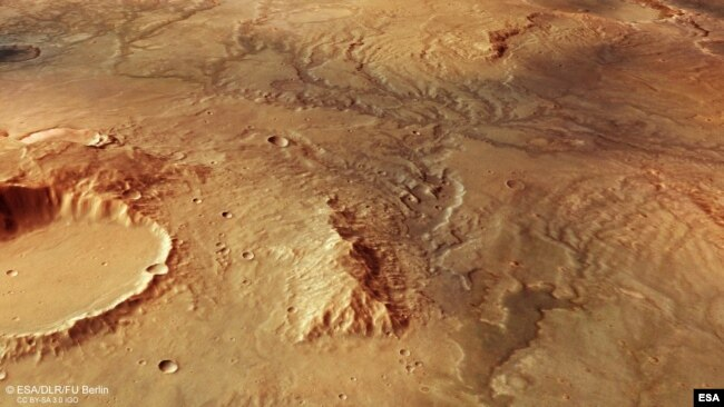 This image from ESA's Mars Express shows a valley network on Mars. This oblique perspective view was generated using a digital terrain model and Mars Express data gathered on 19 November 2018 during Mars Express orbit 18831. (Image credit: ESA/DLR/FU Berl