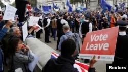 لندن میں بریکسٹ کے حامیوں کا مظاہرہ۔ فائل فوٹو