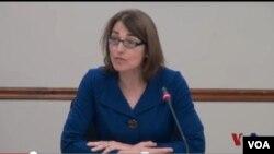 美國國務院負責公民安全、民主和人權事務的副國務卿莎拉休厄爾