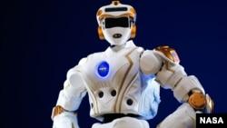 عکس آرشیوی از یک ربات ساخت ناسا