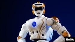 Robot R5 NASA, robot menyerupai manusia terbaru NASA, dibuat untuk diikutkan dalam lomba rotobik DARPA.