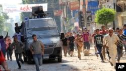Les forces de sécurité égyptiennes déployées à Tanta, Egypte, 23 août 2013.