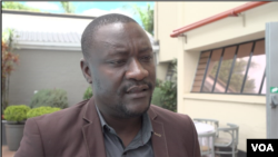 Sam Wadzai says his organization is for the country's 21-day lockdown. (Columbus Mavhunga/VOA)
