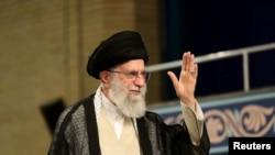 آیت اللہ خامنہ ای کو ایران کے سپریم لیڈر کا درجہ حاصل ہے — فائل فوٹو