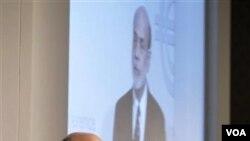 Gubernur Bank Sentral Amerika Ben Bernanke (foto: dok) menyatakan perlunya menekan pengangguran dan tingkat suku bunga, untuk menggairahkan perekonomian AS.