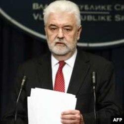 Premijer Mirko Cvetković objavljuje odluku o Dinkićevoj smeni