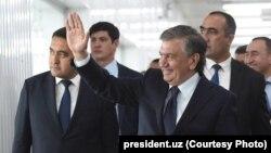 Prezident nodavlat tashkilotlar to'g'risida farmon imzoladi